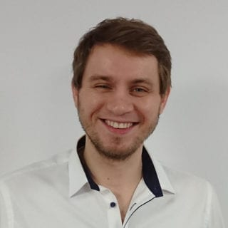 https://www.vorfina.de/wp-content/uploads/2018/12/adam_rohde_quadrat-320x320.jpg